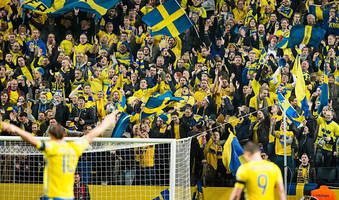 spelare och publik under fotbolls-em